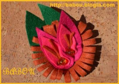 Broche duo de flores de fieltro